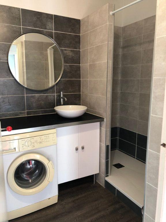 Appartement à louer 3 53m2 à Bourg-en-Bresse vignette-5