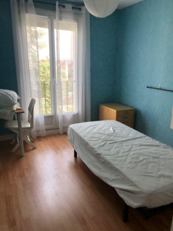 Appartement à louer 3 66.57m2 à Bourg-en-Bresse vignette-4