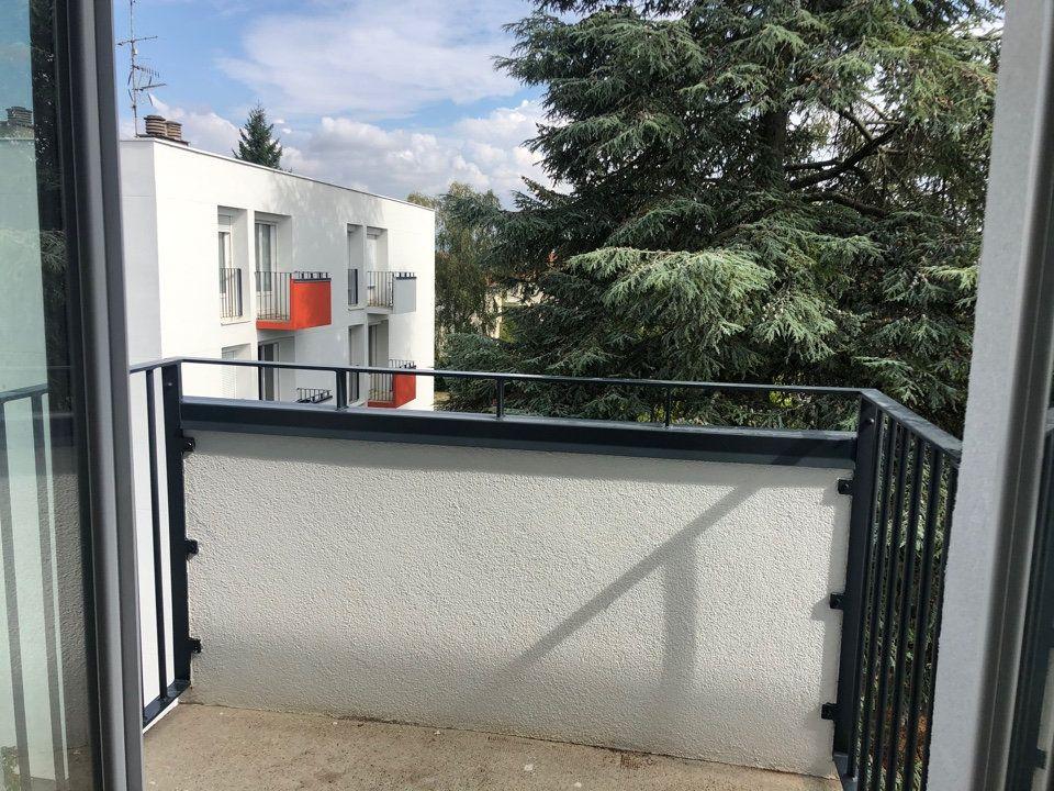 Appartement à louer 3 66.57m2 à Bourg-en-Bresse vignette-5