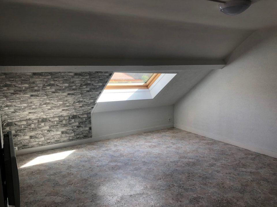 Appartement à louer 1 15m2 à Hauteville-Lompnes vignette-3