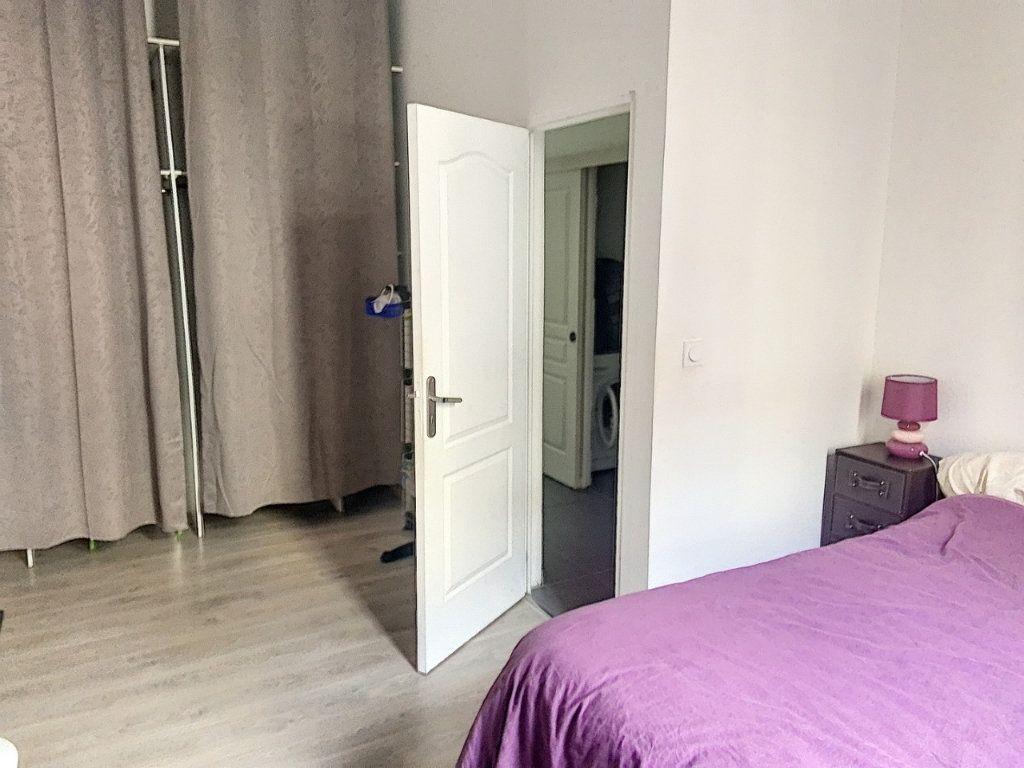 Appartement à louer 3 61.18m2 à Bourg-en-Bresse vignette-4