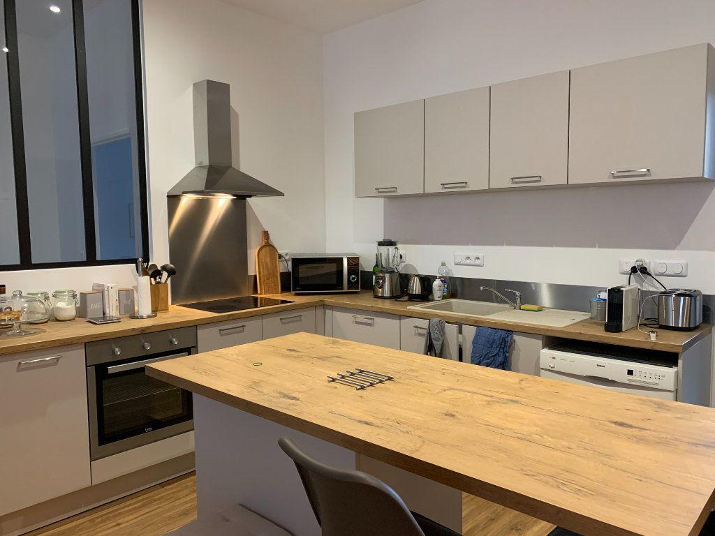 Appartement à louer 3 83.13m2 à Bourg-en-Bresse vignette-5