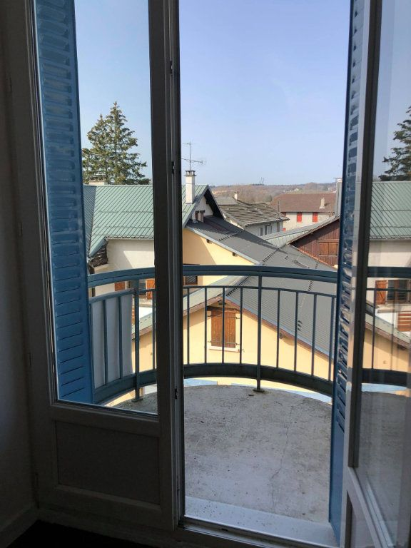 Appartement à louer 3 60m2 à Hauteville-Lompnes vignette-2