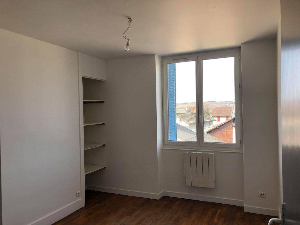 Appartement à louer 3 60m2 à Hauteville-Lompnes vignette-3