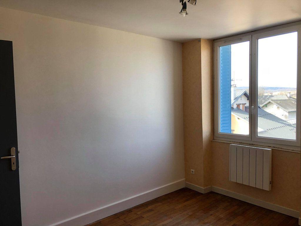 Appartement à louer 3 60m2 à Hauteville-Lompnes vignette-4