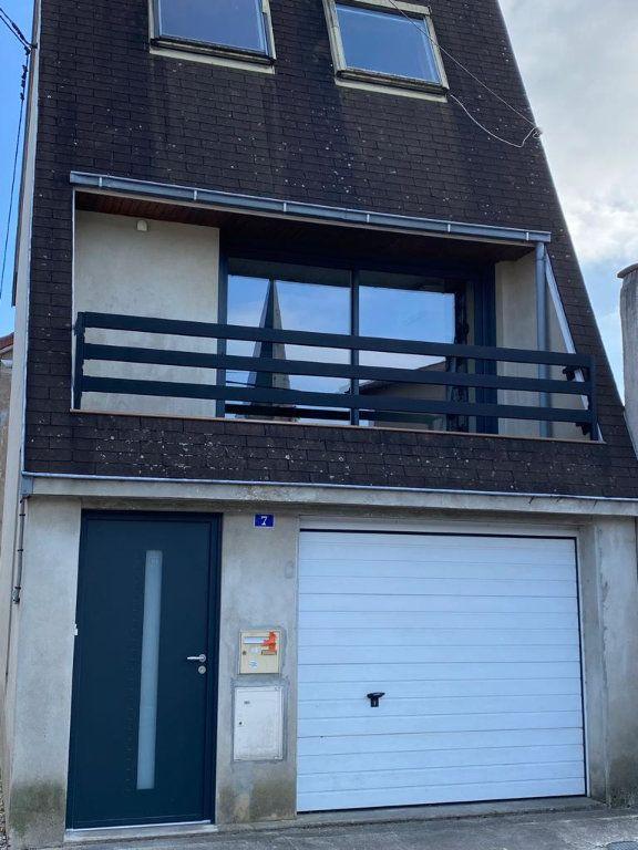 Maison à louer 3 44.46m2 à Montrevel-en-Bresse vignette-1