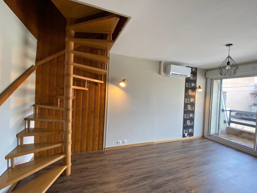Maison à louer 3 44.46m2 à Montrevel-en-Bresse vignette-2