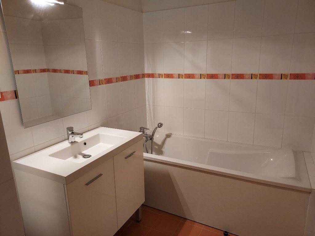 Appartement à louer 4 86.08m2 à Marsonnas vignette-3