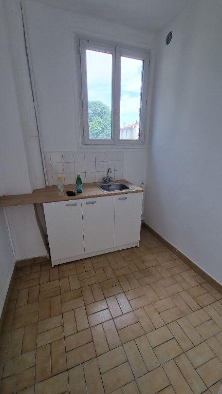 Appartement à louer 1 18m2 à La Courneuve vignette-3