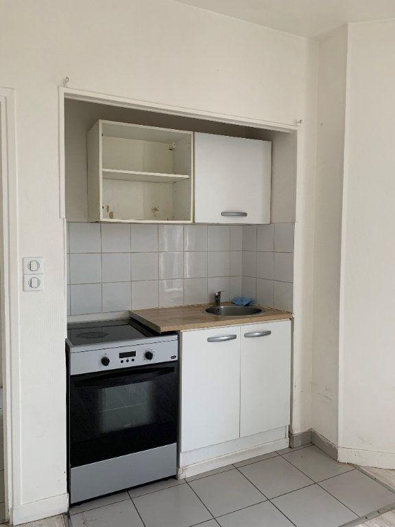 Appartement à louer 2 25m2 à La Courneuve vignette-3