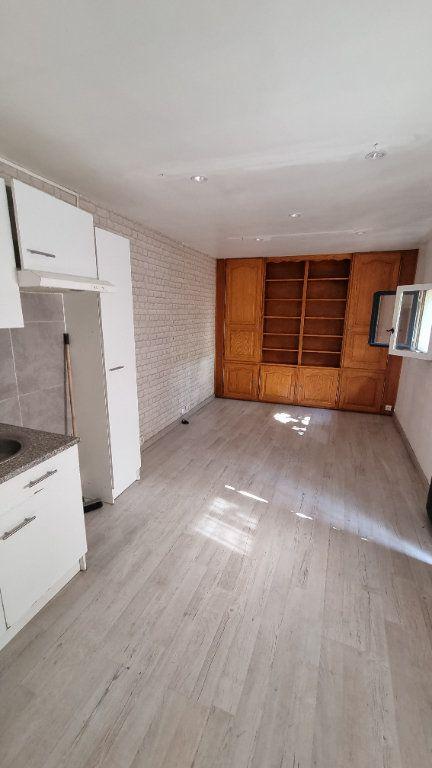 Maison à louer 2 29m2 à Le Blanc-Mesnil vignette-2