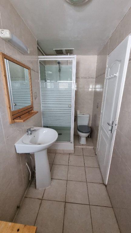 Maison à louer 2 29m2 à Le Blanc-Mesnil vignette-4