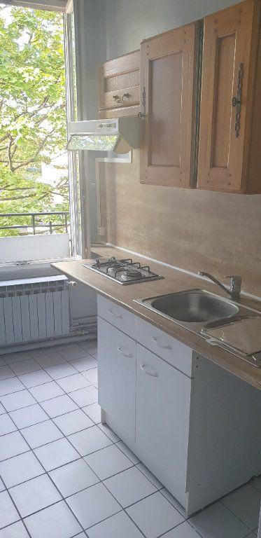 Appartement à louer 1 25m2 à La Courneuve vignette-2