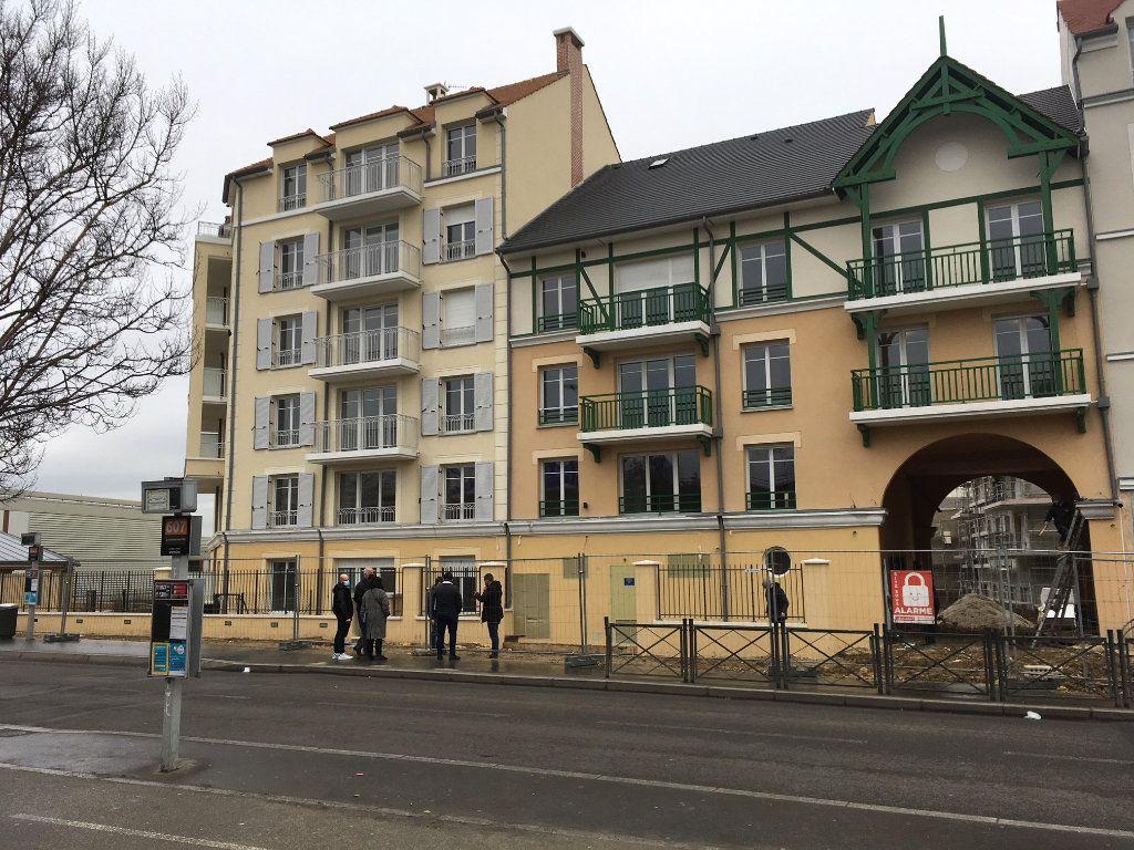 Appartement à louer 2 40.5m2 à Le Blanc-Mesnil vignette-1