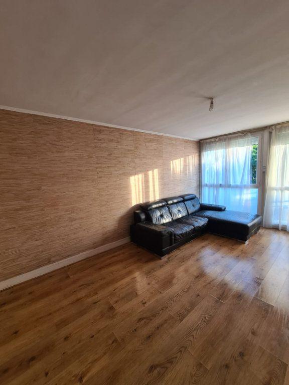 Appartement à louer 4 70m2 à Le Bourget vignette-1