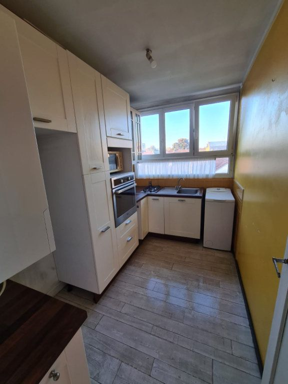 Appartement à louer 4 70m2 à Le Bourget vignette-5