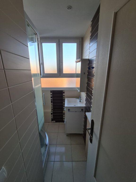 Appartement à louer 4 70m2 à Le Bourget vignette-6