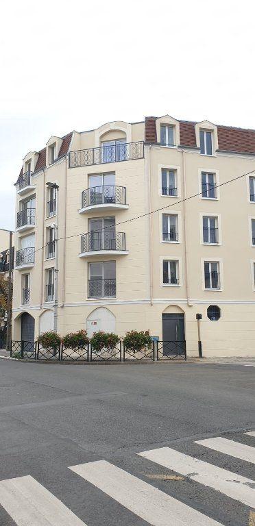 Appartement à louer 1 21m2 à Le Blanc-Mesnil vignette-1