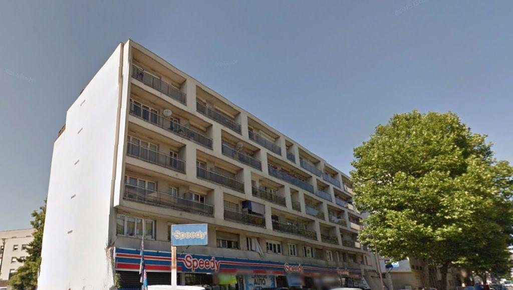Appartement à louer 1 25m2 à Le Bourget vignette-1