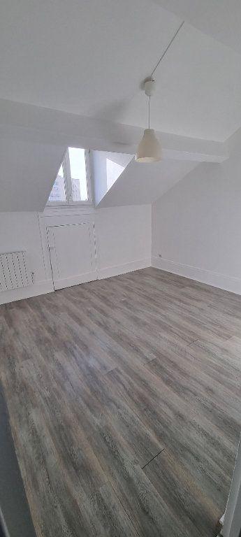 Appartement à louer 2 30m2 à Saint-Denis vignette-2