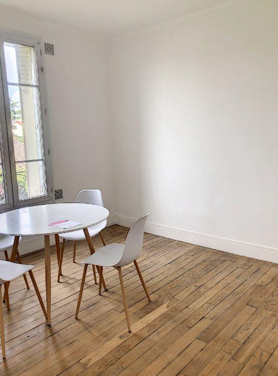 Appartement à louer 2 44m2 à Le Bourget vignette-2