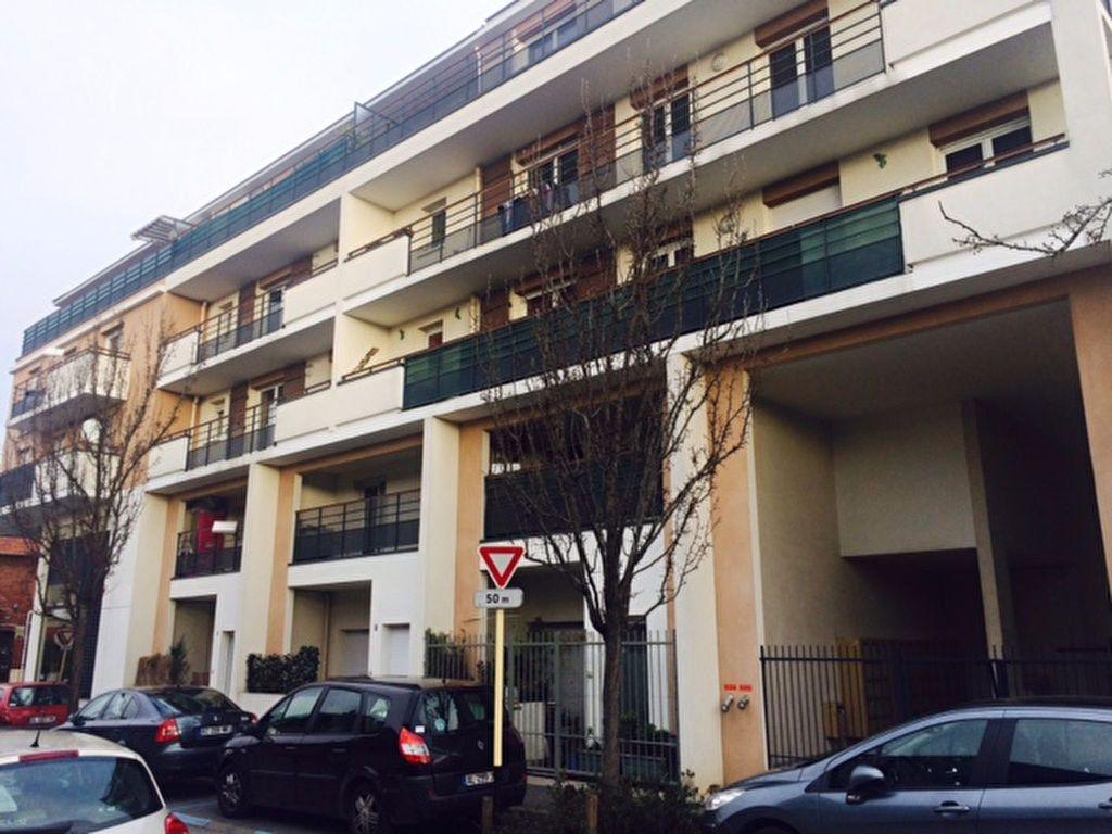 Appartement à louer 3 62m2 à Le Blanc-Mesnil vignette-3