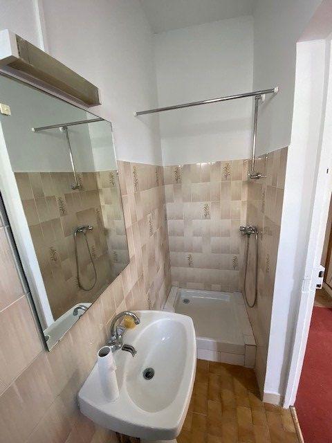 Appartement à louer 2 30m2 à Bobigny vignette-4