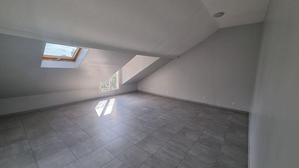 Appartement à louer 4 107m2 à Drancy vignette-2
