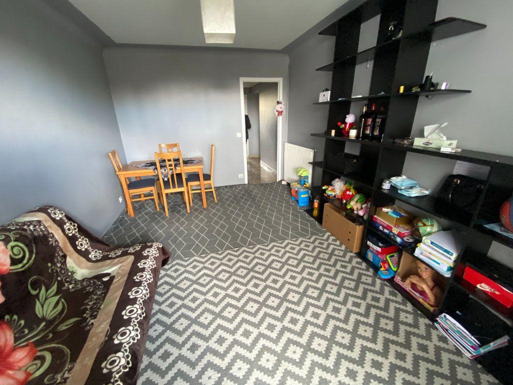 Appartement à louer 2 45m2 à Le Bourget vignette-1