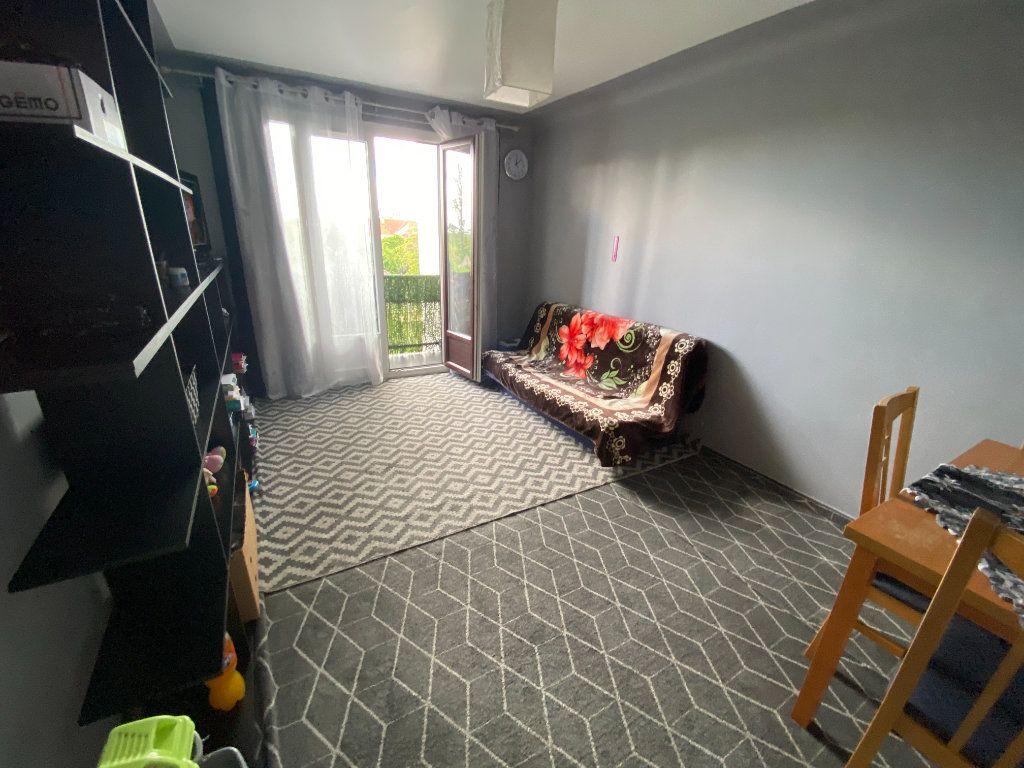 Appartement à louer 2 45m2 à Le Bourget vignette-2