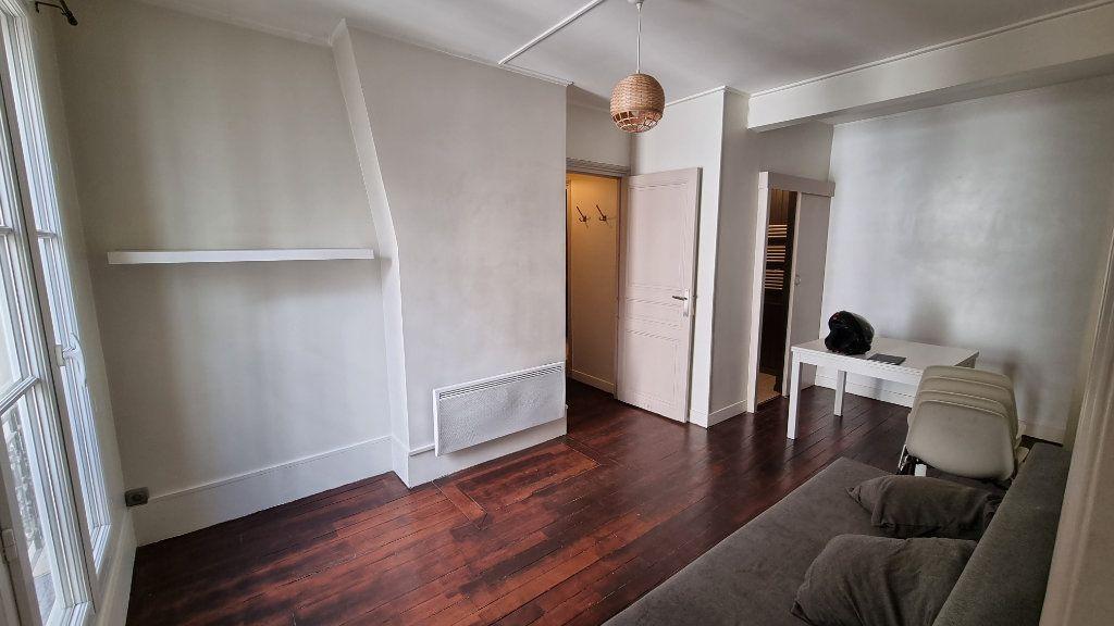 Appartement à louer 2 40m2 à Paris 11 vignette-2