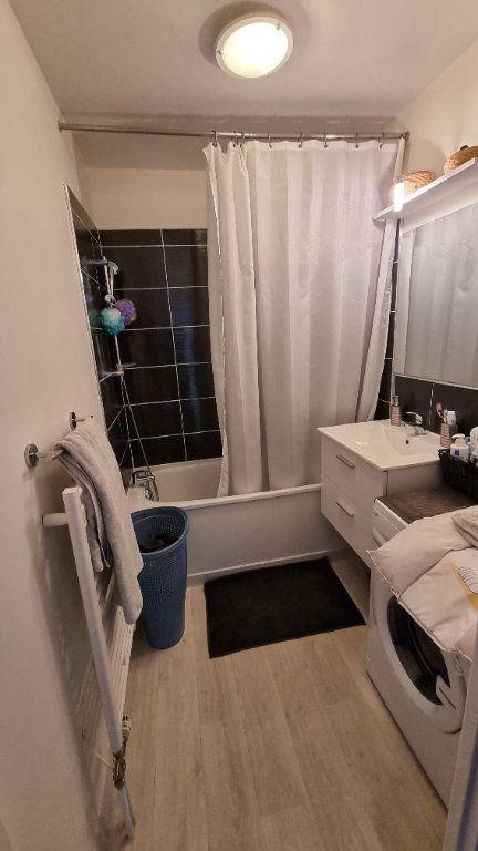 Appartement à louer 3 55m2 à Dugny vignette-4