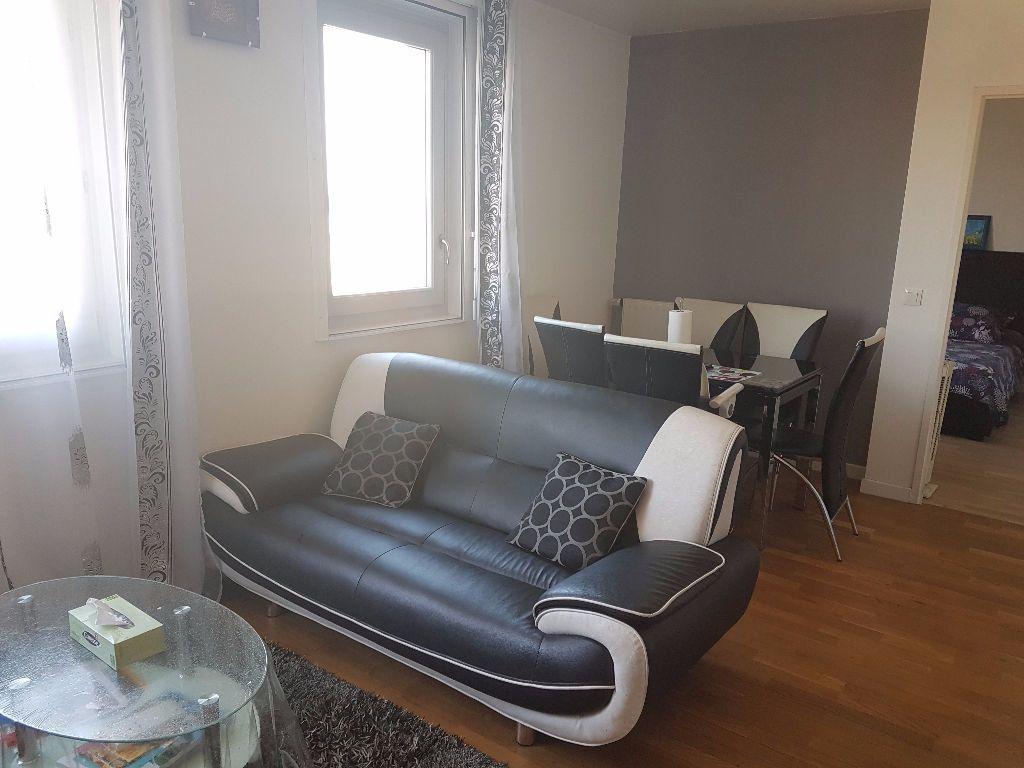 Appartement à louer 2 47m2 à Le Bourget vignette-4