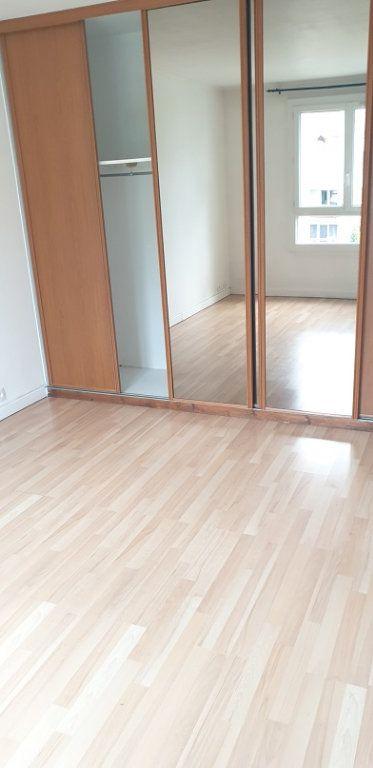 Appartement à louer 3 55m2 à Drancy vignette-3