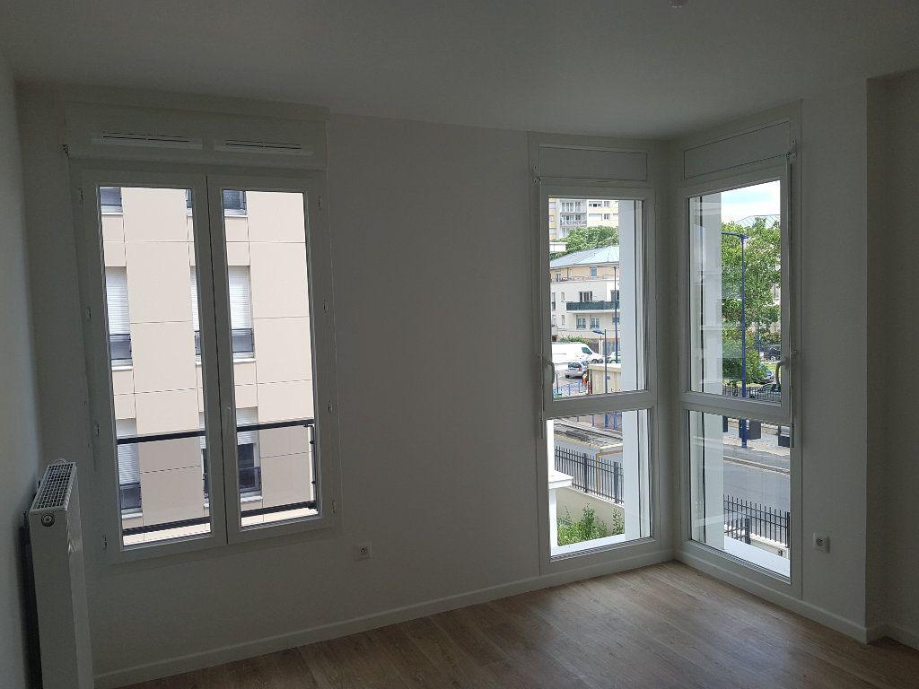 Appartement à louer 1 29m2 à Drancy vignette-2