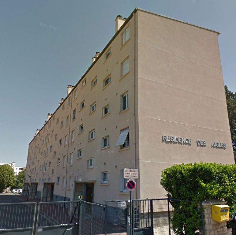 Appartement à louer 4 63.19m2 à Le Bourget vignette-1