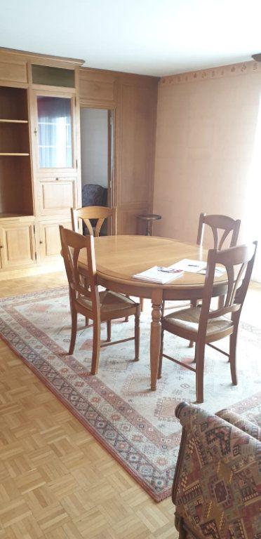 Appartement à louer 4 81.44m2 à La Courneuve vignette-1