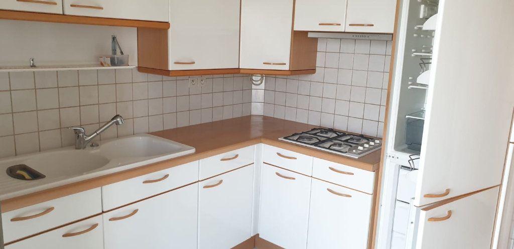Appartement à louer 4 81.44m2 à La Courneuve vignette-2