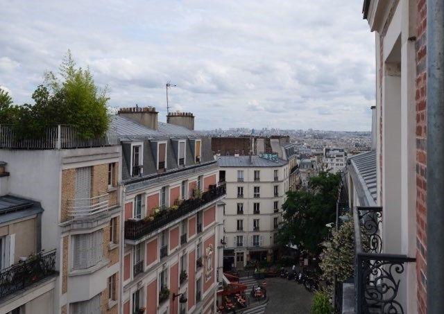 Appartement à louer 3 50m2 à Paris 18 vignette-1
