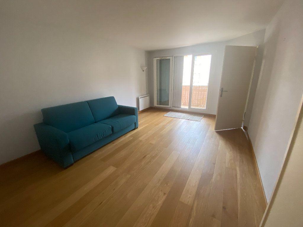 Appartement à louer 1 31.07m2 à Le Bourget vignette-1