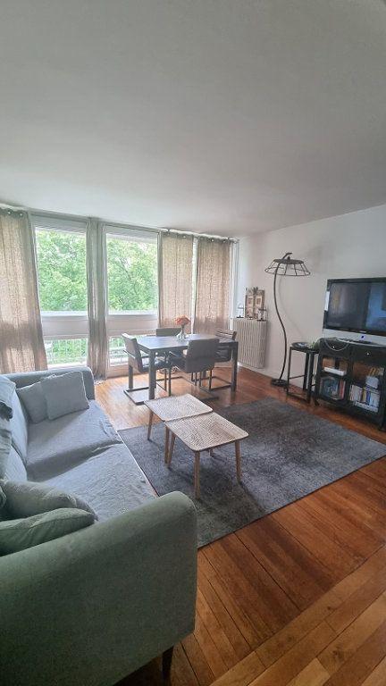 Appartement à louer 3 62m2 à Neuilly-sur-Seine vignette-3