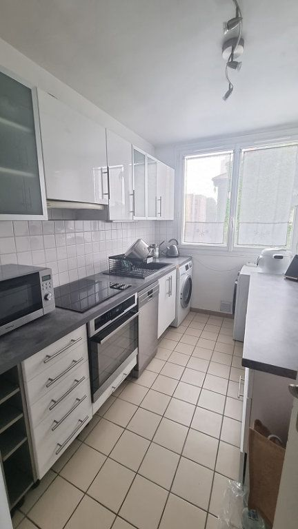 Appartement à louer 3 62m2 à Neuilly-sur-Seine vignette-4