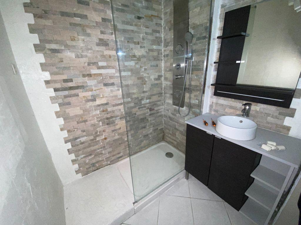 Appartement à louer 3 64.53m2 à Pierrefitte-sur-Seine vignette-3