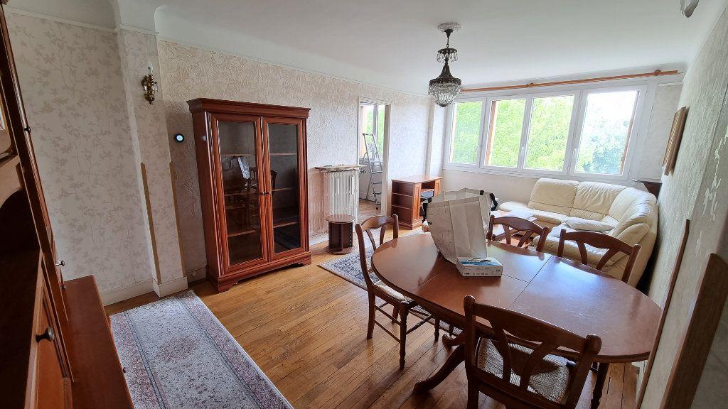 Appartement à louer 4 68.6m2 à Le Bourget vignette-3