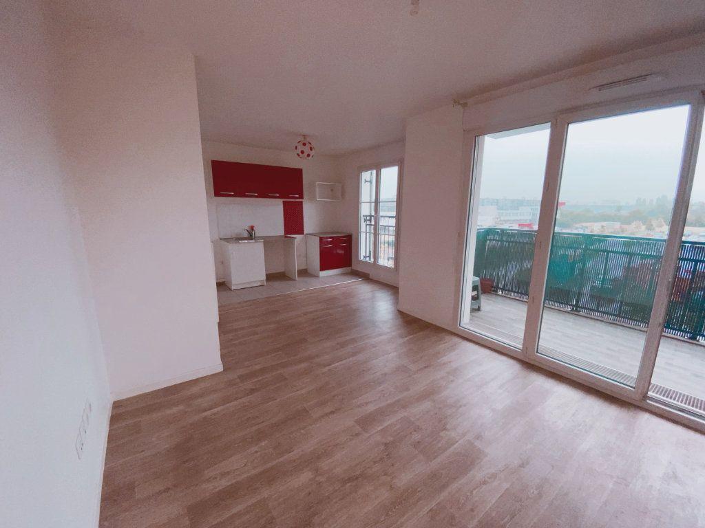 Appartement à louer 2 41m2 à Le Blanc-Mesnil vignette-1