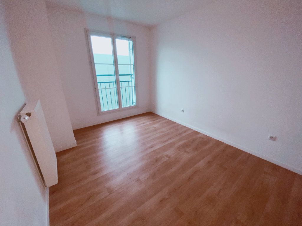 Appartement à louer 2 41m2 à Le Blanc-Mesnil vignette-2