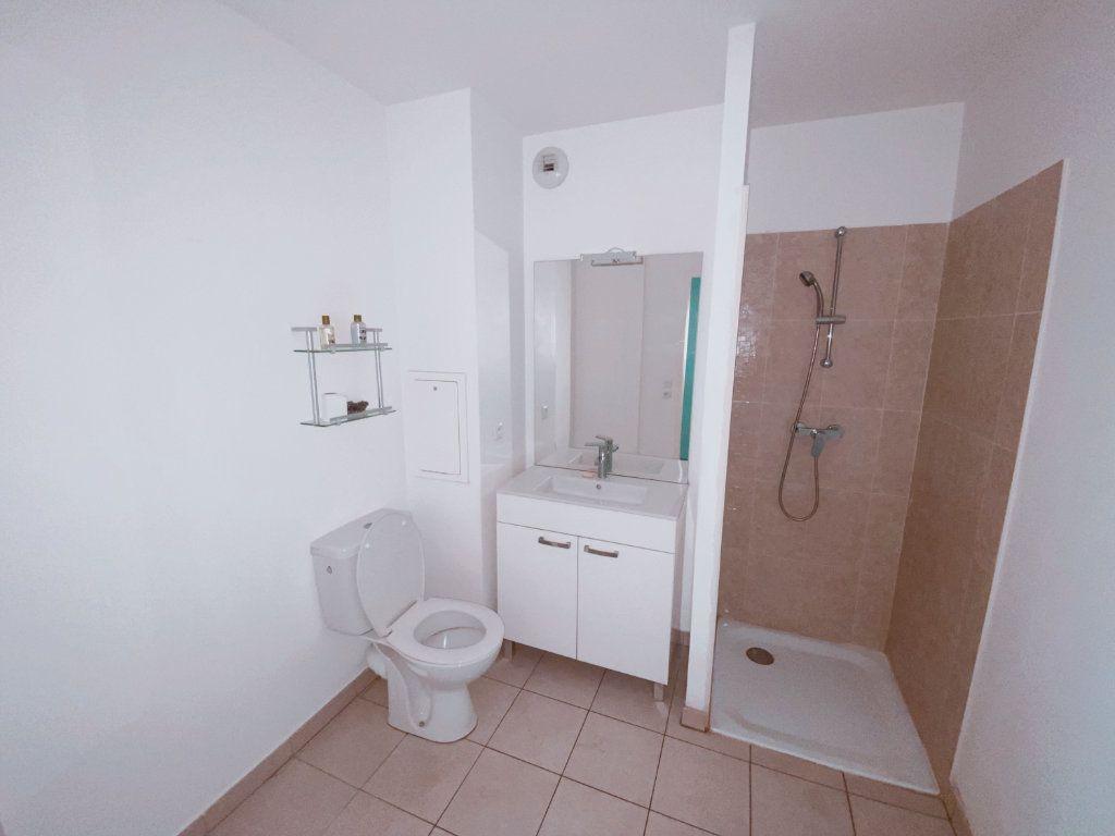 Appartement à louer 2 41m2 à Le Blanc-Mesnil vignette-3