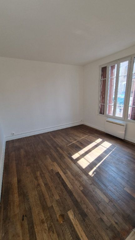 Appartement à louer 2 41m2 à Drancy vignette-2