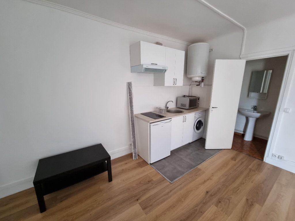 Appartement à louer 1 25m2 à Drancy vignette-2