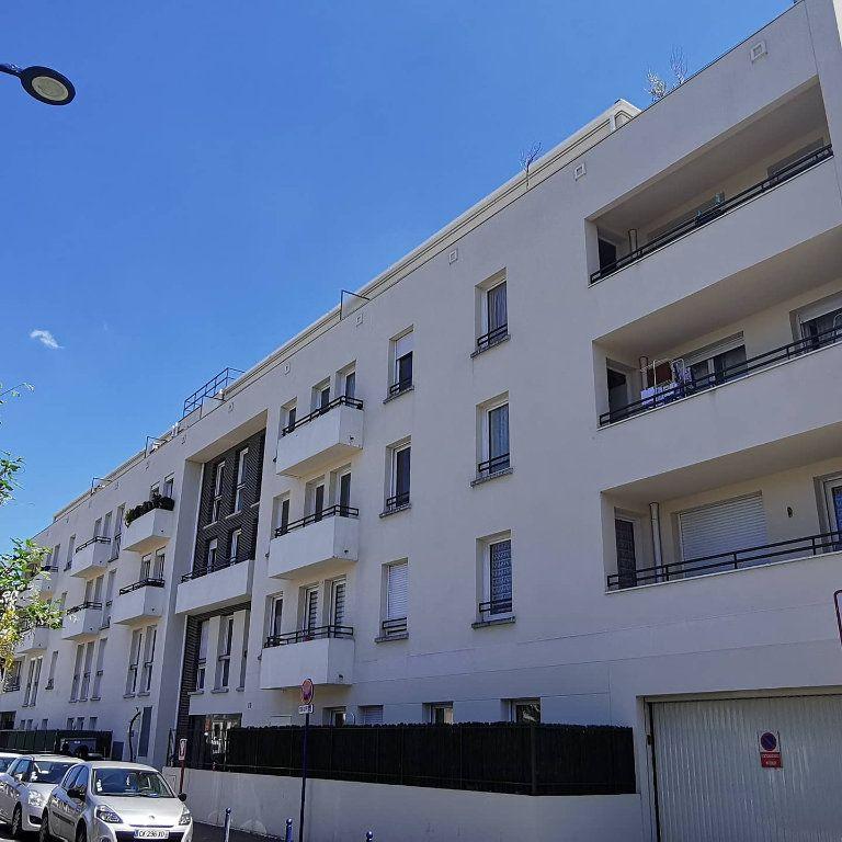 Appartement à louer 2 41m2 à Drancy vignette-1